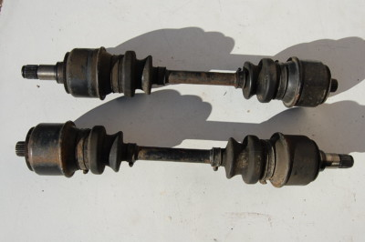 Antriebswellen-Paar li/re für Mercedes-Benz /8, W123, W126