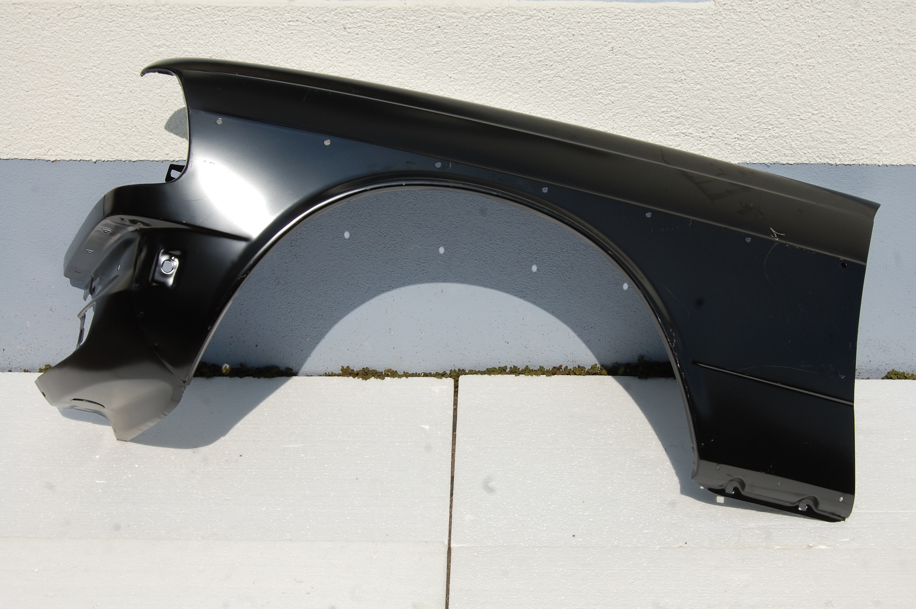 kotfl gel vorne links f r w123 autoteile glauner. Black Bedroom Furniture Sets. Home Design Ideas